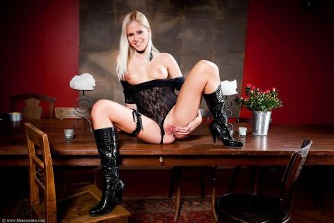 Simonscans_Hot_Sexy_Babe_-_Noletta