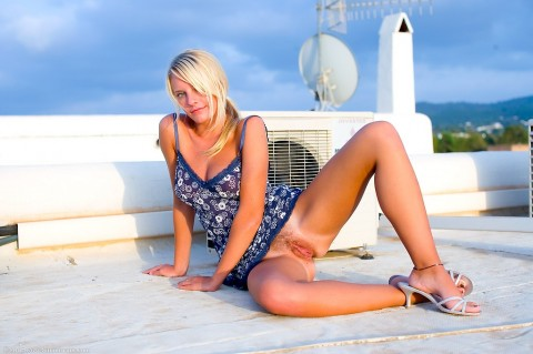 Simonscans_Hot_Sexy_Babe_-_Hayden