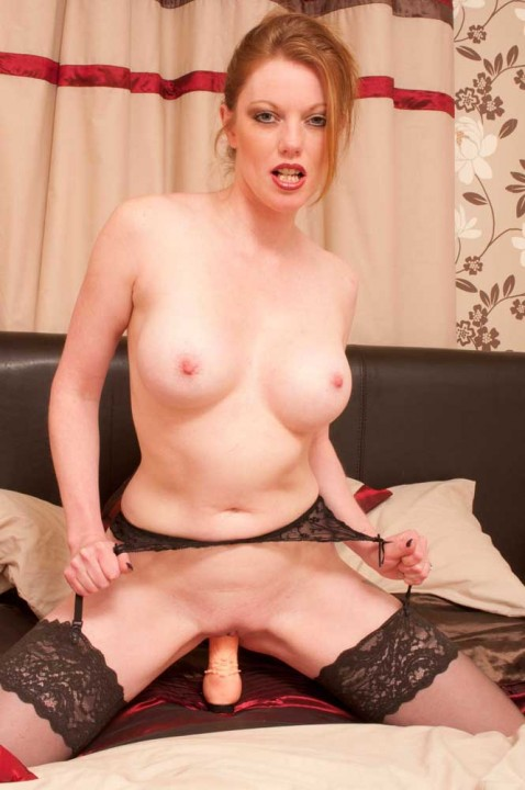 LSG-sexy-naked-babes-dildo-masturbating