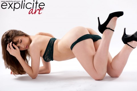explicit-art-french-babes-masturbating